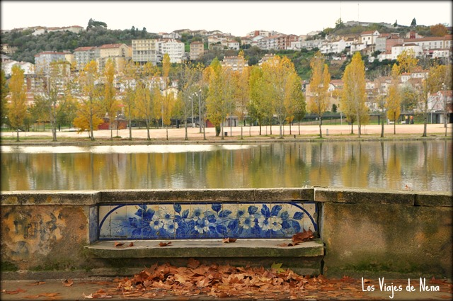 banco de otoño