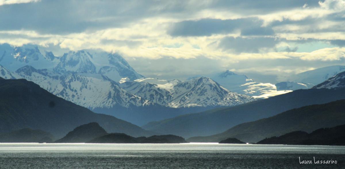 Los paisaes desde el avión, cuando uno viaja a Ushuaia , son espectaculares