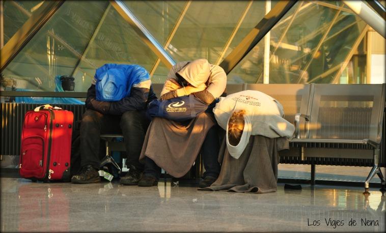 dormir en el aeropuerto de keflavik
