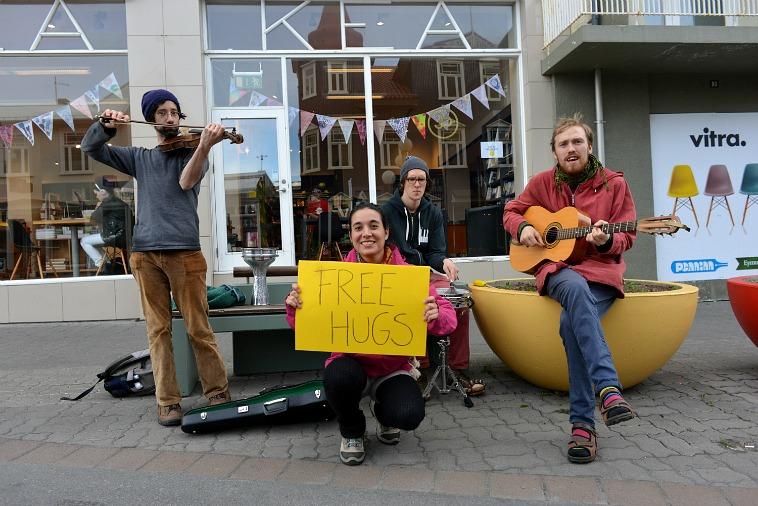 abrazos gratis en islandia 3