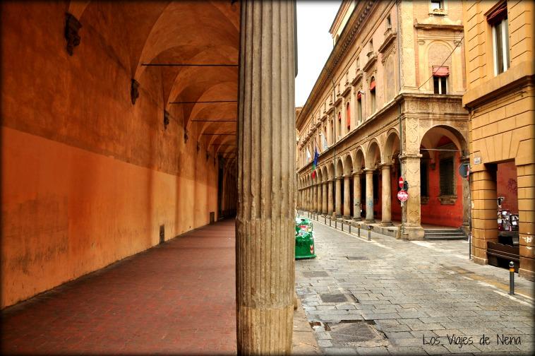perderse por estas calles es, definitivamente, una de las cosas que ver y que hacer en Bolonia
