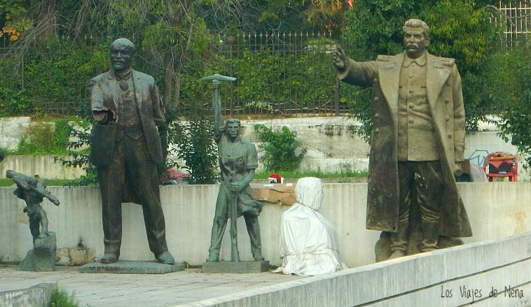estatuas_comunistas