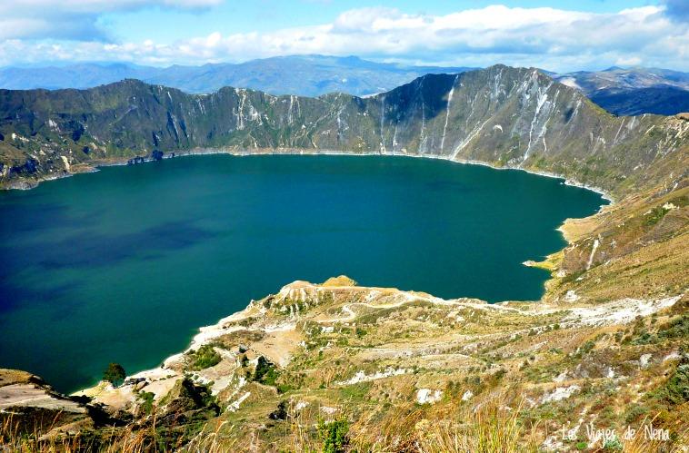 laguna de quilotoa ecuador