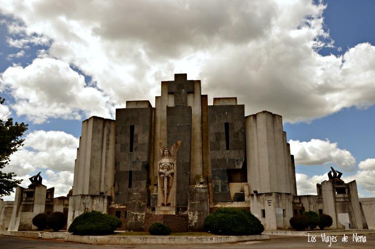 El cementerio de Azul, obra del arquitecto Salamone