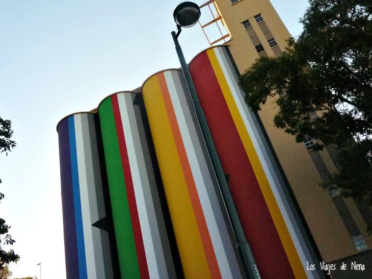 Al final de Oroño están los antiguos Silos Davis. Hoy son el Museo de Arte Contemporáneo, y un símbolo de la ciudad.