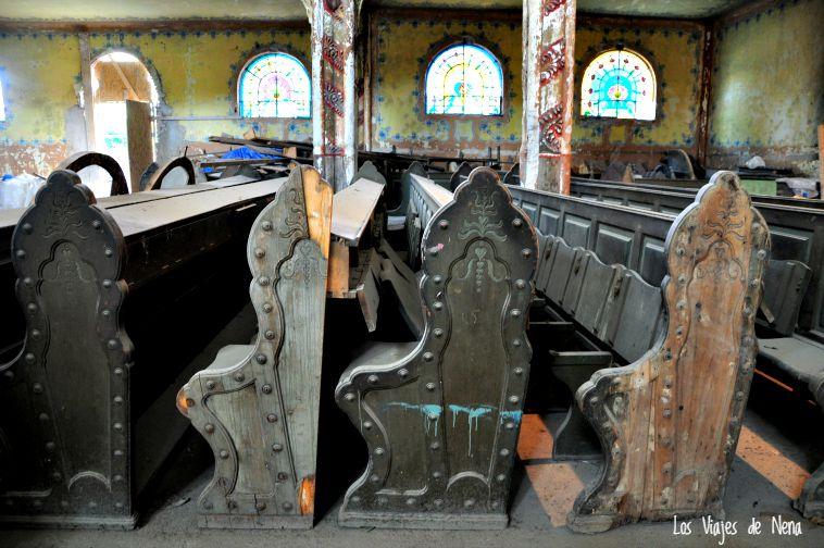 En 1976, la Sinagoga pasó a ser propiedad de la ciudad. A finales de los 80, fue utilizada como teatro, hasta que finalmente quedó en desuso.