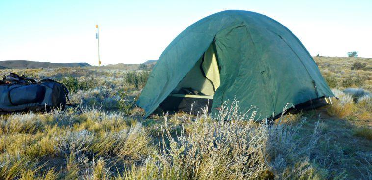 la carpa armada en medio de la Patagonia. El viento era tremendo.