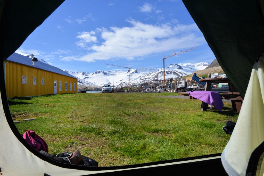 Viajar en carpa tiene ventajas, como esta vista en Islandia.