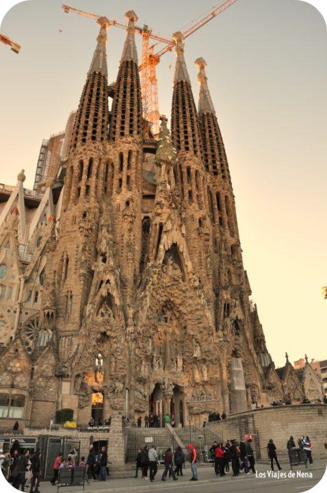 La Sagrada Faminia es el inicio de este recorrido de Barcelona en un día.