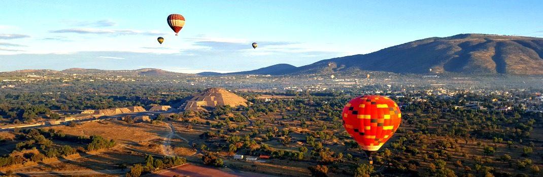 Globos sobre volando Teotihuacan