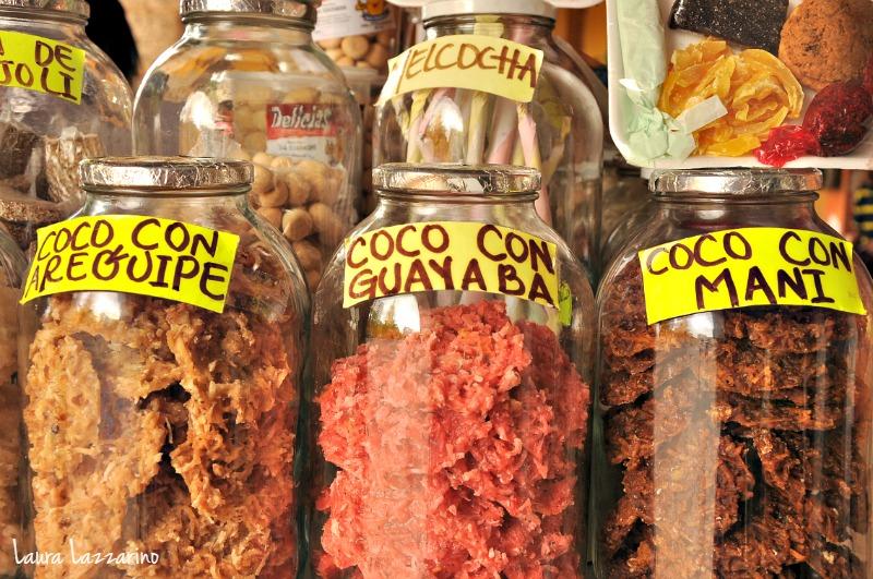 Las cocadas son un snack típico de Cartagena