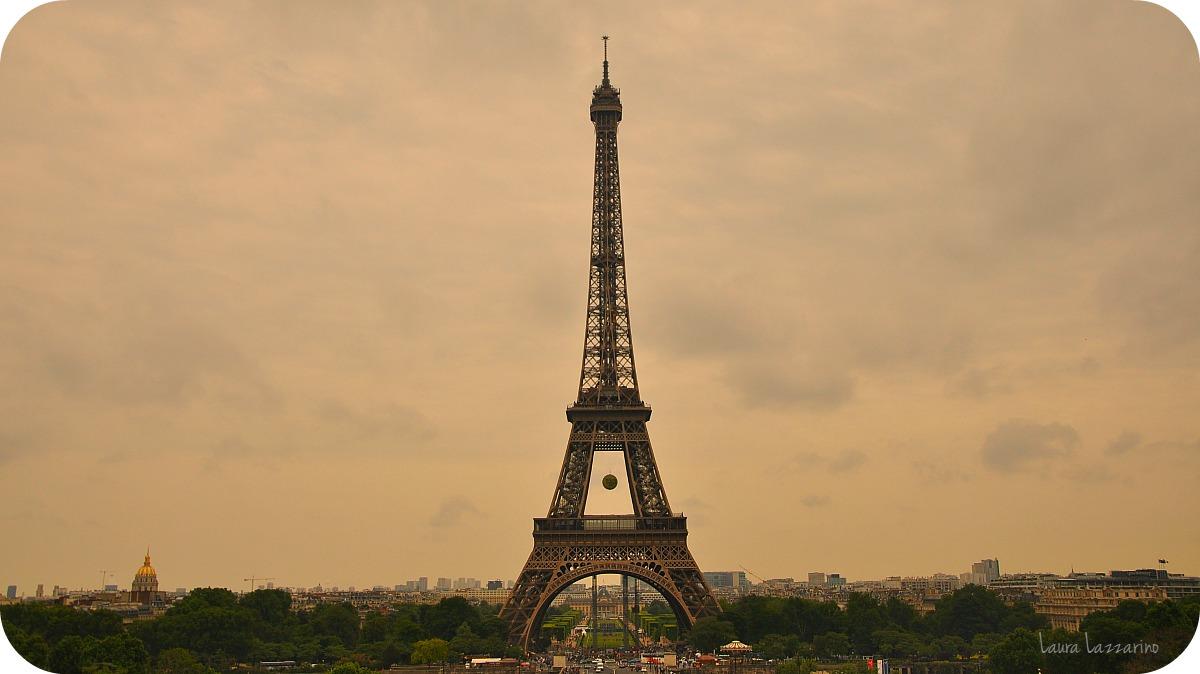 viajar a París a ver la Torre Eiffel