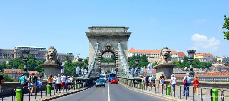 El Puente de las Cadenas es, sin lugar a dudas, otro de los imperdibles de Budapest.