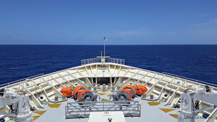 Viajar en un crucero transatlántico implica pasar días sin ver otra cosa que el mar