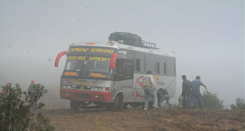 Es posible viajar de mochilero en bus, no solo a dedo